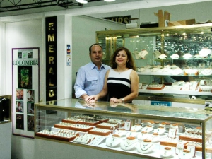 Emerald jewelry stores
